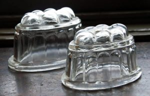 Vintage glass jelly moulds https://squirrelbasket.wordpress.com/2010/11/09/things-of-the-past-jelly-and-blancmange/