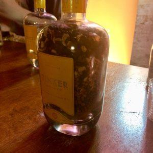 Tinker Gin Botanicals